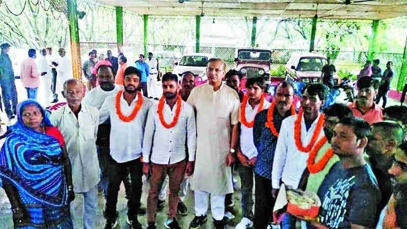 Jayant Sinha recently honored the accused involved in a lynching incident. Photo: Change.org