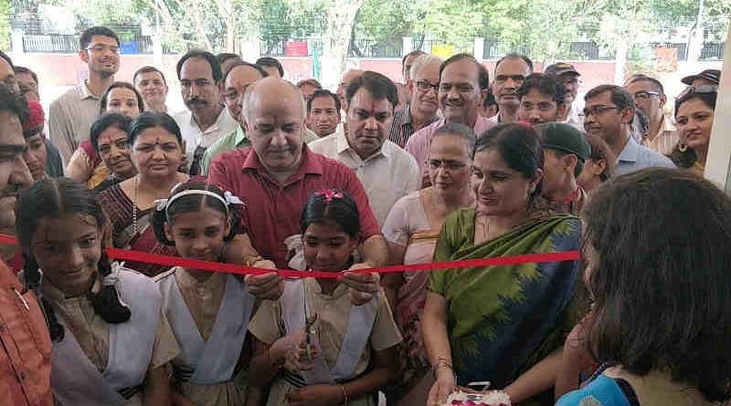 Delhi's education minister Manish Sisodia inaugurates a Rajkiya Pratibha Vikas Vidyalaya in Sector 5 of Dwarka on July 10, 2018. Photo: AAP