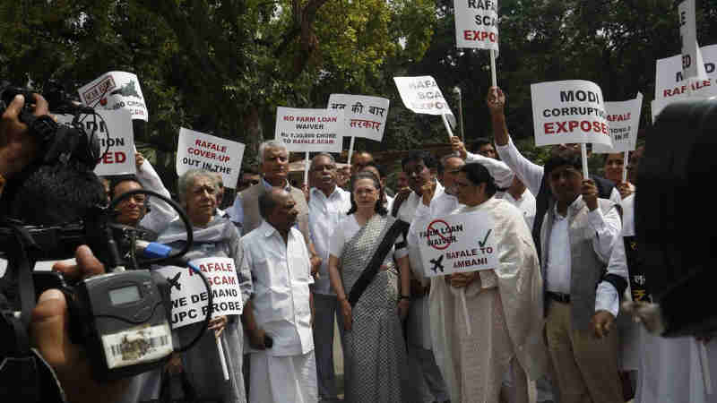 Sonia Gandhi Leads Protest to Highlight Corruption in Modi's Rafale Deal. Photo: Congress (file photo)