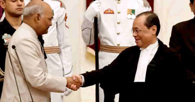 Justice Ranjan Gogoi sworn in as the Chief Justice of Supreme Court of India (file photo). Courtesy: Rashtrapati Bhavan