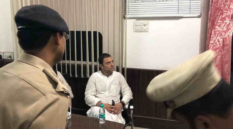 Congress President Rahul Gandhi is being held at the Lodhi Colony police station for protesting against Modi Govt's interference with the CBI on October 26, 2018. Photo: Congress