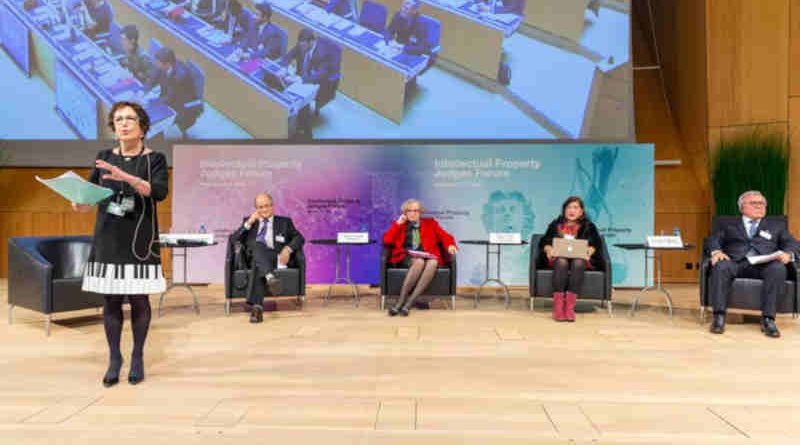 Panelists discuss the judicial role in developing IP law and the value of transnational dialogue (Photo: WIPO/Berrod).