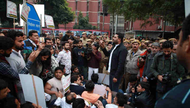 Youth Congress workers holding a protest against the use of EVMs in front of Election Commission's office in Delhi on January 24, 2019. Photo: Congress