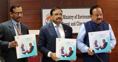 "Dr. Harsh Vardhan releasing a publication on climate actions in India titled ""India - Spearheading Climate Solutions"", in New Delhi on February 12, 2019"