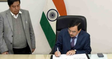 Sushil Chandra taking charge as the New Election Commissioner of India, in New Delhi on February 15, 2019
