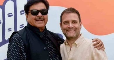 Shatrughan Sinha with Congress President Rahul Gandhi. Photo: Shatrughan Sinha