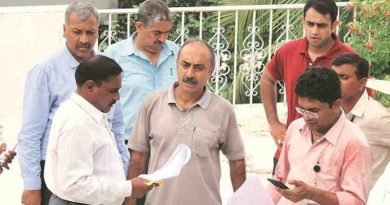 Sanjiv Bhatt (center) File Photo, Courtesy: The Indian Express