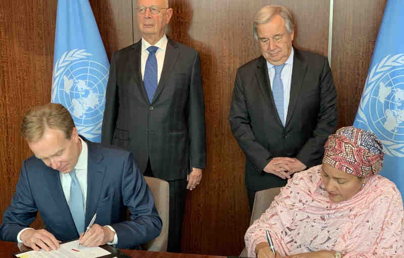 The UN-Forum Partnership was signed in a meeting held at United Nations headquarters between UN Secretary-General António Guterres and World Economic Founder and Executive Chairman Klaus Schwab. Photo: WEF