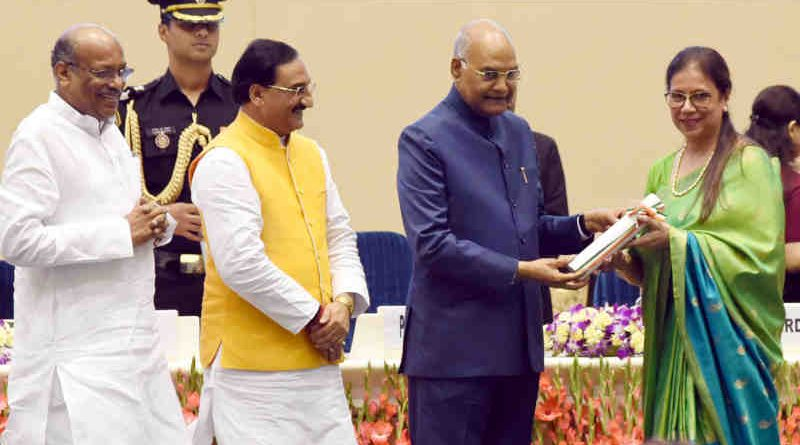 Ram Nath Kovind presenting the National Award to Teachers for the year 2018, on the occasion of Teachers' Day, in New Delhi on September 05, 2019. Photo: PIB