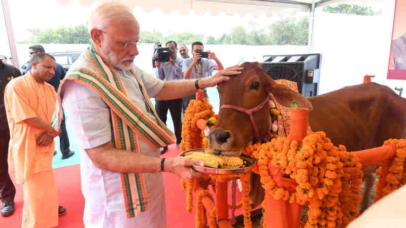 Narendra Modi visits Pashu Vigyan Evam Arogya Mela, in Mathura, Uttar Pradesh on September 11, 2019. The Chief Minister of Uttar Pradesh, Yogi Adityanath is also seen. Photo: PIB