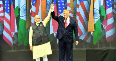 PM Narendra Modi with U.S. President Donald Trump at the 'Howdy Modi' event in Houston, USA on September 22, 2019. Photo: PIB