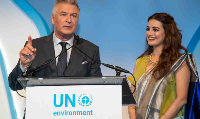 Celebrity hosts Alec Baldwin and Dia Mirza at the 2018 Young Champions and Champions of the Earth Award ceremony. Photo: UN Environment