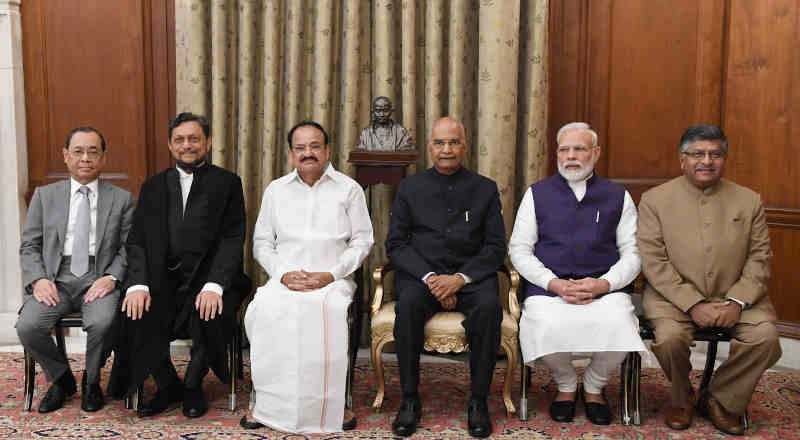 The President, Ram Nath Kovind; the Vice President, M. Venkaiah Naidu; and the Prime Minister, Narendra Modi in a group photograph after the Swearing-in-Ceremony of Justice Sharad Arvind Bobde as the Chief Justice of India, at Rashtrapati Bhavan, in New Delhi on November 18, 2019. The Union Minister for Law & Justice, Ravi Shankar Prasad and the former Chief Justice of India, Justice Ranjan Gogoi are also seen. Photo: PIB