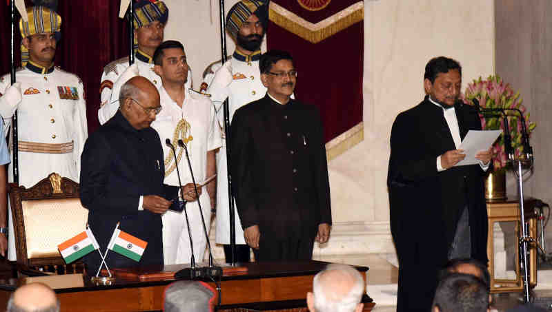 The President, Ram Nath Kovind, administering the oath of office to Justice Sharad Arvind Bobde, as the Chief Justice of India, at a swearing-in ceremony, at Rashtrapati Bhavan, in New Delhi on November 18, 2019. Photo: PIB