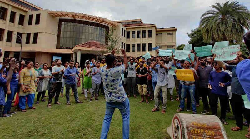 IIT Madras students protesting against CAA and NRC Laws. Photo: Chinta Bar