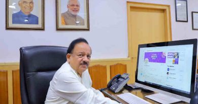 India's Minister of Health & Family Welfare, Dr Harsh Vardhan launching the COVID India Seva on April 21, 2020. Photo: GoI