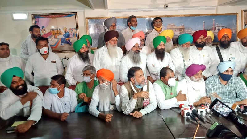 "Coordination body of farmers in a meeting to announce an all-India road blockade on November 5, 2020 and ""Delhi Chalo"" movement on November 26-27, 2020. Photo: Swaraj India party (file photo)"