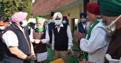 Punjab chief minister (CM) Amarinder Singh meeting the leaders of farmers' unions in Chandigarh on November 21, 2020. Photo: Punjab CM / Twitter