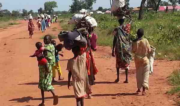 Newly displaced civilians from Sudan's Nuba Mountains approach Yida in South Sudan. Photo: UNHCR / S.KuirChok