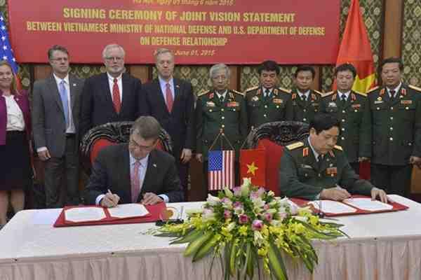 Ash Carter and General Phung Quang Thanh