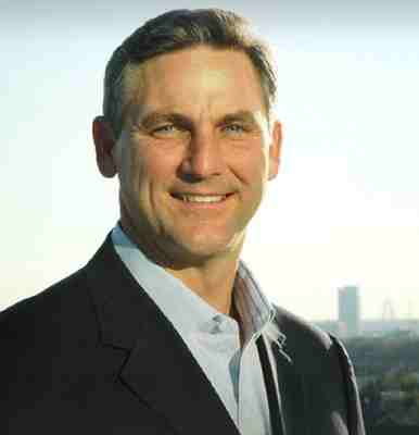 Former NFL Player And Sportscaster Craig James Sues Fox Sports For Religious Discrimination