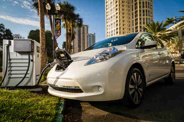 Nissan and BMW to Deploy Chargers for Electric Vehicles