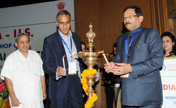 The Minister of State for AYUSH and Health & Family Welfare, Shripad Yesso Naik lighting the lamp to inaugurate the India-U.S. Workshop on Traditional Medicine, in New Delhi on March 03, 2016. The US Ambassador to India, Richard Verma and the President, VYASA and the Chancellor, S-VYASA University, Dr. H.R. Nagendra are also seen.
