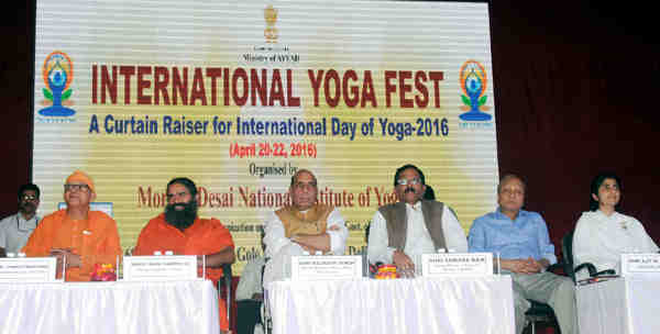 Rajnath Singh at the valedictory function of the International Yoga Fest, organised by the Ministry of AYUSH, in New Delhi on April 22, 2016