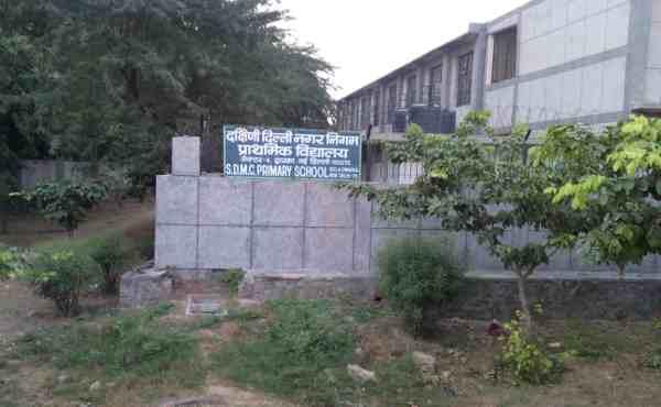 A desolate school building in New Delhi, India. Photo: Rakesh Raman