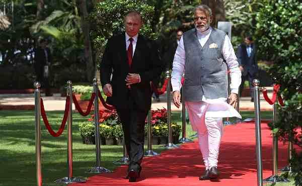 Vladimir Putin with Narendra Modi. Photo: Kremlin/Konstantin Zavrazhin