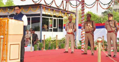 The Minister of State for Home Affairs, Kiren Rijiju addressing at the passing out parade of recruit constables / women constables of Delhi Police, in New Delhi on April 28, 2017