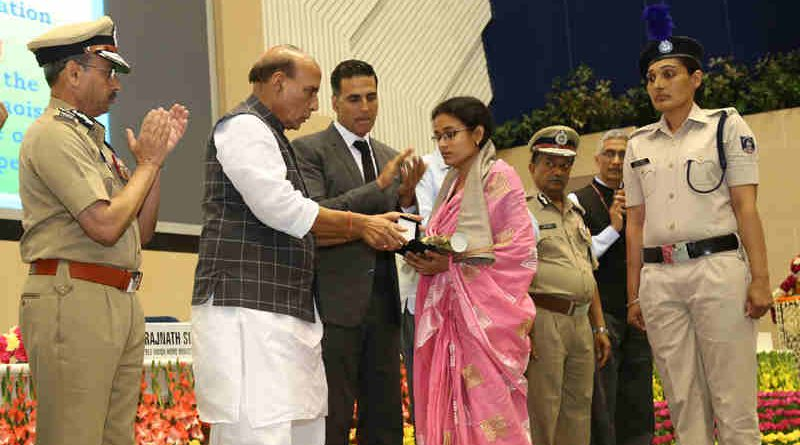 Rajnath Singh presenting the Police Medal for Gallantry on the occasion of the Valour day of Central Reserve Police Force, in New Delhi on April 09, 2017