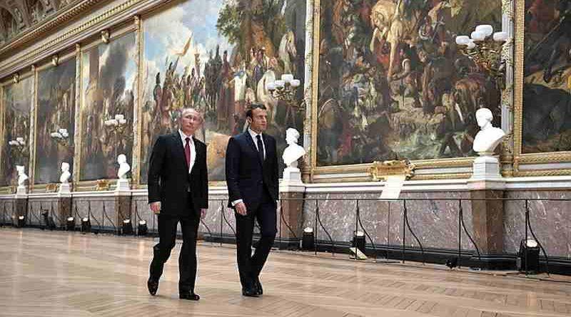 President of Russia Vladimir Putin with President of France Emmanuel Macron