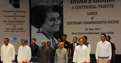 """The President, Shri Pranab Mukherjee, the Vice President, Shri M. Hamid Ansari, the former Prime Minister, Dr. Manmohan Singh and other dignitaries at the release of the Commemorative Volume """"India's Indira: A Centennial Tribute"""", in New Delhi on May 13, 2017"""
