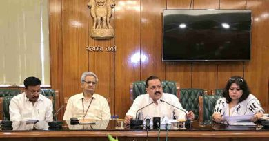 Dr. Jitendra Singh addressing a press conference on Grievances Redressal, in New Delhi on May 15, 2017