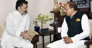 Imran Raza Ansari calling on Vijay Goel in New Delhi on June 08, 2017