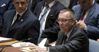 Jeffrey Feltman (front right), Under-Secretary-General for Political Affairs, briefs the Security Council threat posed by ISIL to international peace and security. UN Photo/Evan Schneider