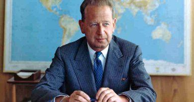 Portrait of former Secretary-General Dag Hammarskjöld. UN Photo/JO (file)