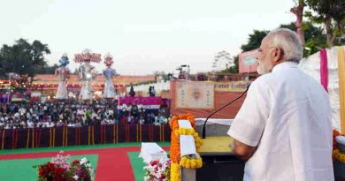 Narendra Modi addressing the gathering at the Dussehra celebrations at Madhav Das Park, Red Fort, on the auspicious occasion of Vijay Dashmi, in Delhi on September 30, 2017 (file photo). Courtesy: PIB