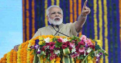 Narendra Modi addressing a public meeting, at Vadnagar, Gujarat on October 08, 2017 (file photo)