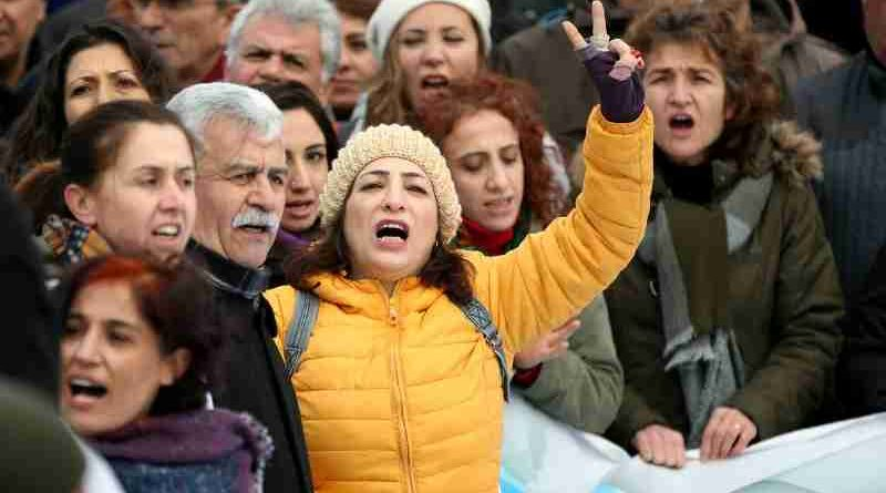 UN Human Rights Experts Urge Turkey Not to Extend Emergency