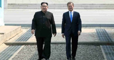 President Moon Jae-in (right) of the Republic of Korea greets Chairman of the State Affairs Commission Kim Jong-Un of the Democratic People's Republic of Korea in Panmunjeom. Photo: UN