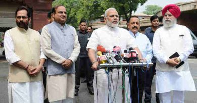 Narendra Modi interacting with the media at the start of Monsoon Session of Parliament, in New Delhi on July 18, 2016 (file photo)