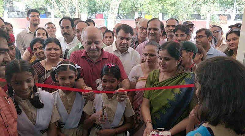 Delhi's education minister Manish Sisodia inaugurates a Rajkiya Pratibha Vikas Vidyalaya in Sector 5 of Dwarka on July 10, 2018. Photo: AAP