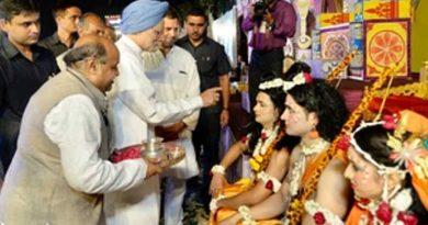 Manmohan Singh at Dussehera Celeberations, Ramleela Maidan, Delhi (file photo). Courtesy: Congress
