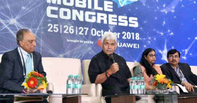 Manoj Sinha addressing the press conference on the outcomes of India Mobile Congress-2018, in New Delhi on October 27, 2018. The Secretary, (Telecom), Ms. Aruna Sundararajan and other dignitaries are also seen.