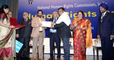The Union Minister for Minority Affairs, Shri Mukhtar Abbas Naqvi presenting the biennial Mahatma Gandhi awards for writing in the field of promoting human rights and spreading awareness on human rights, at the Human Rights Day function, organised by the National Human Rights Commission, in New Delhi on December 10, 2018. The Chairperson of National Human Rights Commission, Shri Justice H.L. Dattu and other dignitaries are also seen.