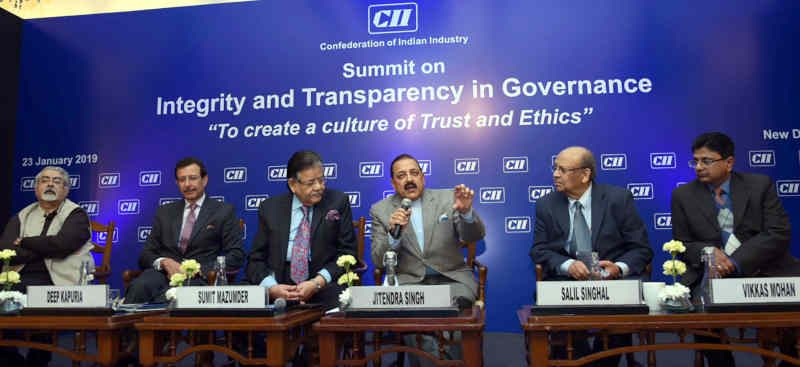 "Dr. Jitendra Singh interacting with the audience, during the inaugural session of the Summit on ""Integrity and Transparency in Governance"" in New Delhi on January 23, 2019"