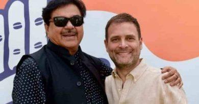 Shatrughan Sinha with Congress President Rahul Gandhi. Photo: Shatrughan Sinha