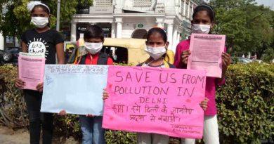 Children of RMN Foundation free school participate in a pollution-control campaign in Delhi. Photo: Rakesh Raman / RMN News Service